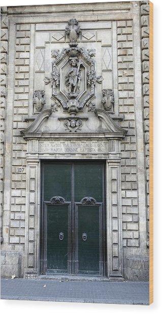 Building Artwork And Old Door In Barcelona Wood Print