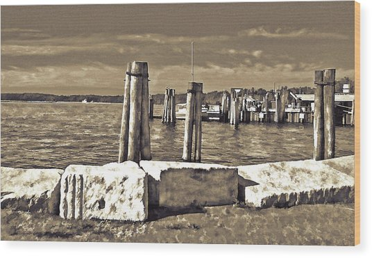 Burlington Pier Wood Print
