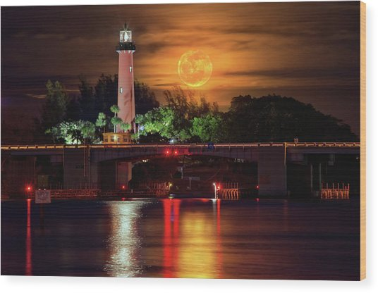 Burning Moon Rising Over Jupiter Lighthouse Wood Print