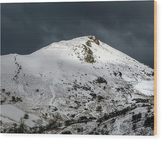 Caer Caradoc Winter Wood Print by Richard Greswell
