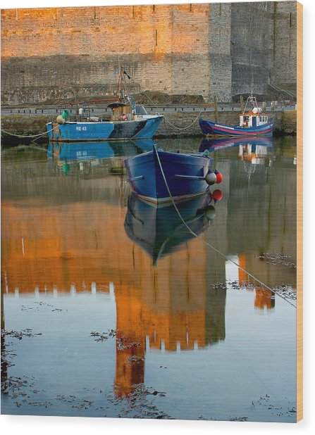 Caernarfon Reflections Wood Print