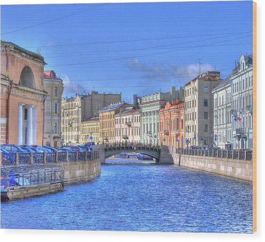 Canal In St. Petersburgh Russia Wood Print