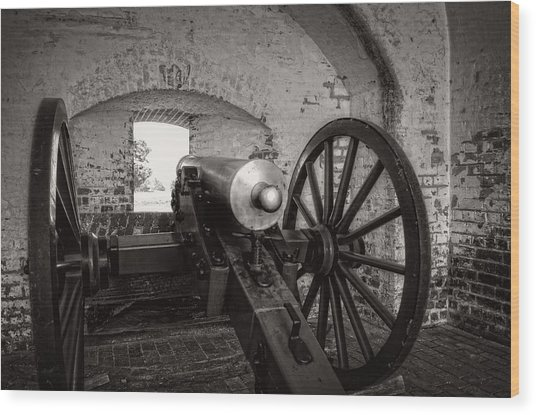 Cannon In Fort Pulaski In Black And White Wood Print