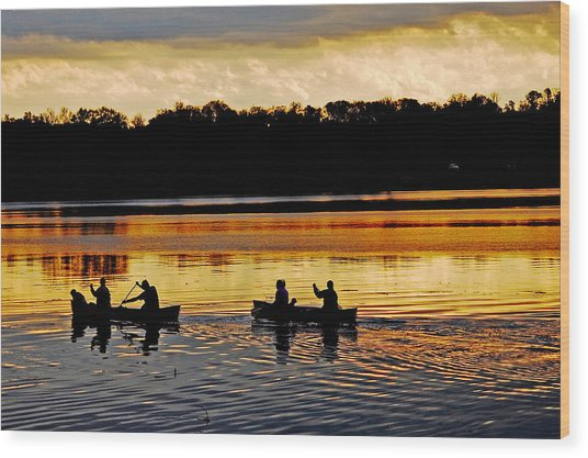 Canoes On The Potomac River Wood Print
