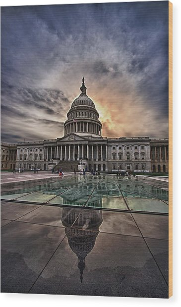 Capitol Building Against Setting Sun Wood Print