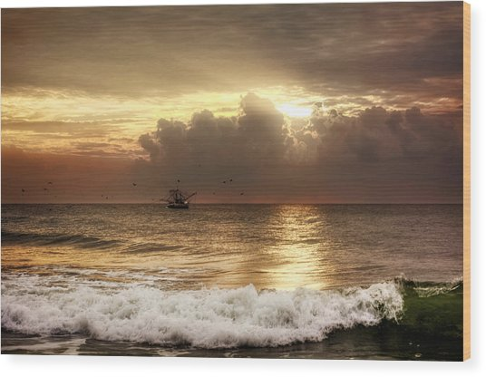 Carolina Beach Shrimp Boat At Sunrise Wood Print