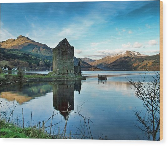 Castle On The Loch Wood Print