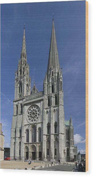 Cathedral Of Chartres Wood Print by Gary Lobdell