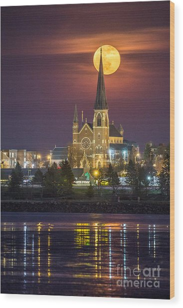 Cathedral Of The Immaculate Conception With Full Moon Wood Print