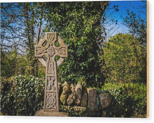 Celtic Knots Decorate A Celtic Cross Wood Print