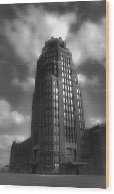 Central Terminal Wood Print by Chuck Alaimo