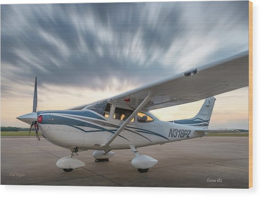 Cessna 182 On The Ramp Wood Print
