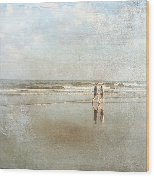 Cherry Grove Beach Walk Wood Print