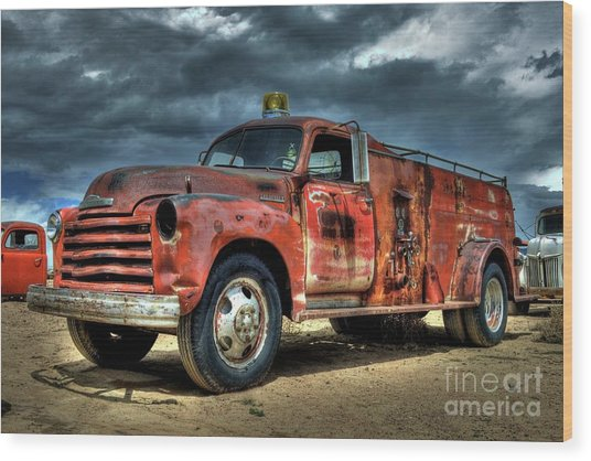 1948 Chevrolet Fire Truck Wood Print