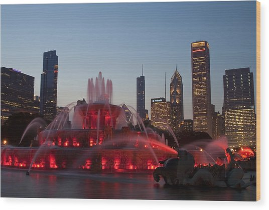 Chicago Skyline And Buckingham Fountain Wood Print