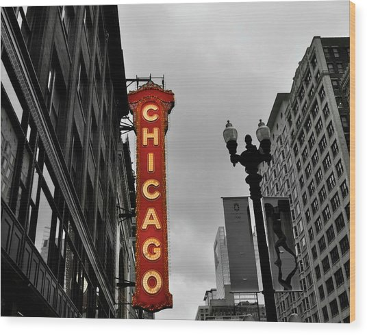 Chicago Theater In Black And White Wood Print