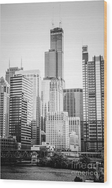 Chicago With Sears Willis Tower In Black And White Wood Print