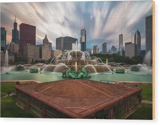 Chicago's Buckingham Fountain Wood Print