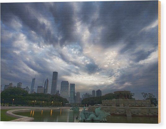 Chicago's Buckingham Fountain When It's Turned Off Wood Print
