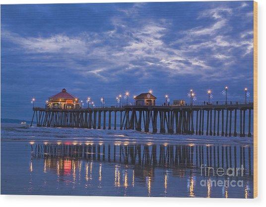 Christmas At The Huntington Beach Pier Wood Print