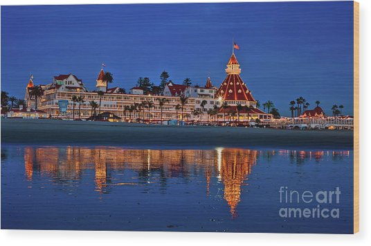 Christmas Lights At The Hotel Del Coronado Wood Print
