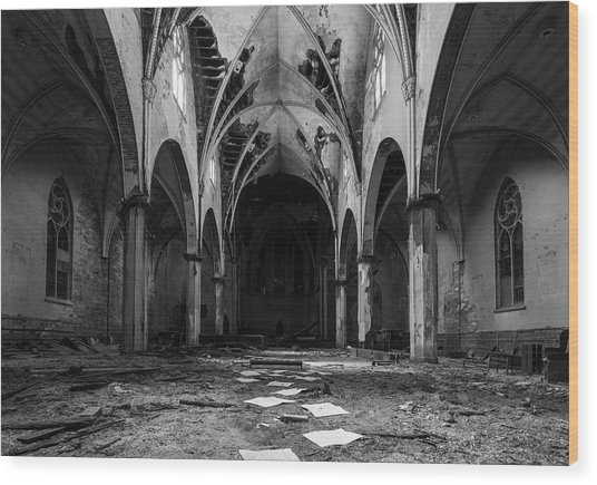 Church In Black And White Wood Print