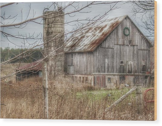 0008 - Churchill Christmas Barn Wood Print