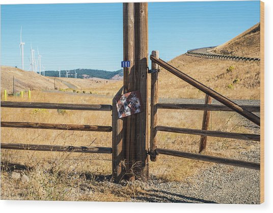 Clean Power And Old Ranch Gates Wood Print