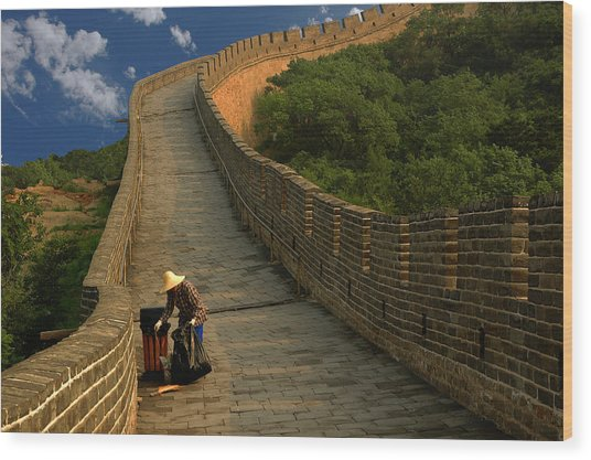Cleaning The Great Wall Wood Print