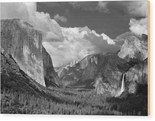 Clearing Skies Yosemite Valley Wood Print