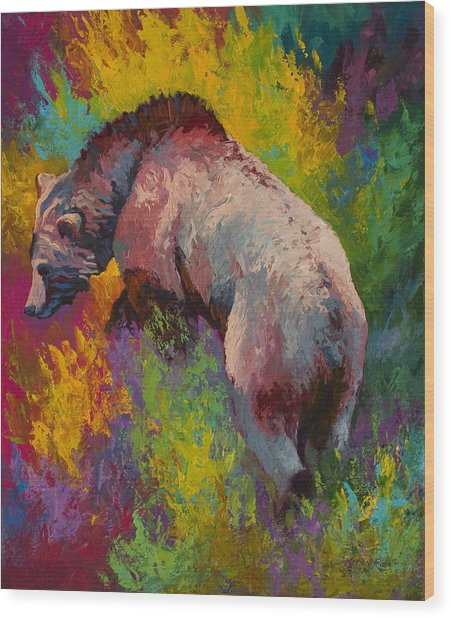 Climbing The Bank - Grizzly Bear Wood Print