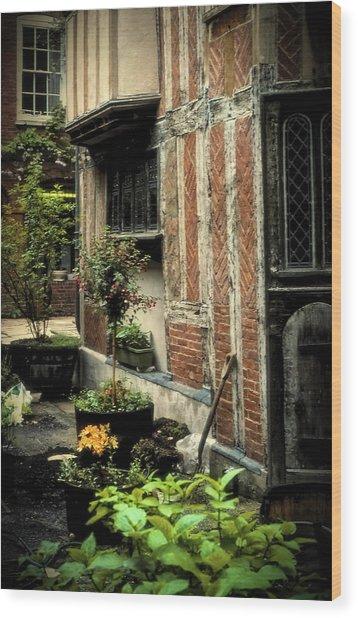Cloister Garden - Cirencester, England Wood Print