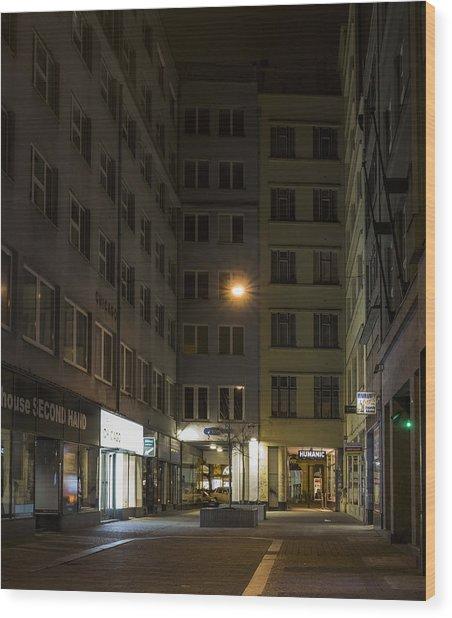 Closed Wood Print by Marek Boguszak