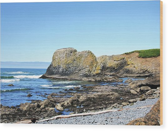 Cobblestone Beach Wood Print