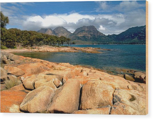 Coles Bay Wood Print by Vern Minard