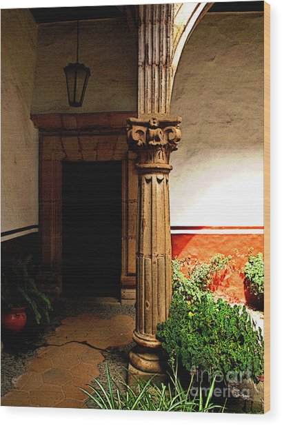 Column In The Corridor Wood Print by Mexicolors Art Photography