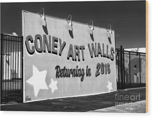 Coney Island Wall Art Returning In 2016 Wood Print by John Rizzuto