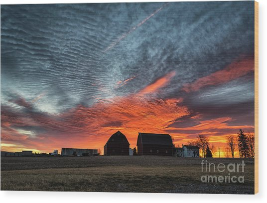 Country Barns Sunrise Wood Print