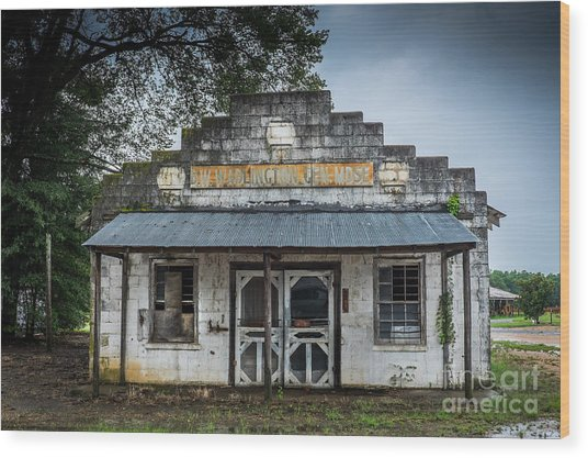 Wood Print featuring the photograph Country Store In The Mississippi Delta by T Lowry Wilson