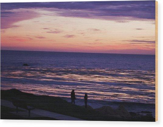 Couple On Shell Beach Wood Print