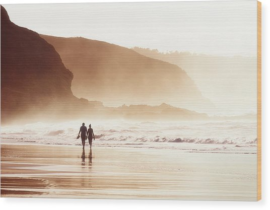 Couple Walking On Beach With Fog Wood Print