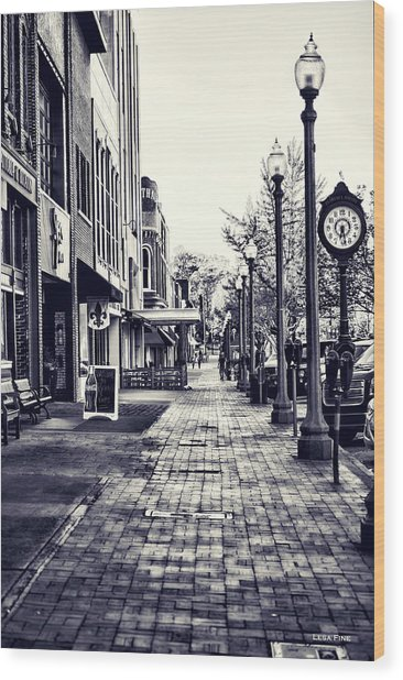 Court Street Clock Florence Alabama Wood Print