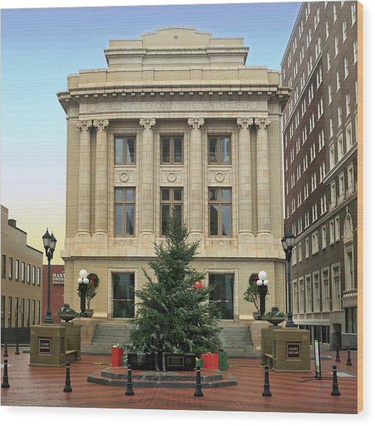 Courthouse At Christmas Wood Print