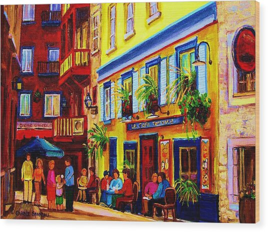 Courtyard Cafes Wood Print