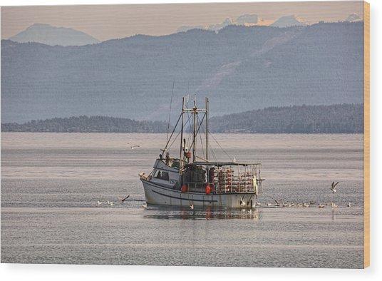 Crabbing Wood Print