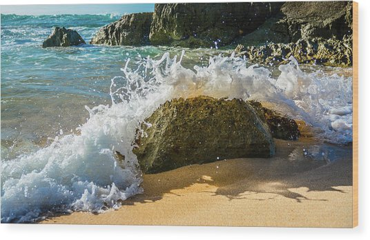 Crashing Over The Rock Wood Print