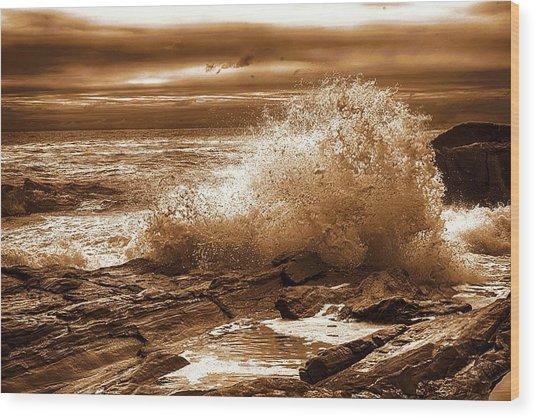 Crashing Wave Hdr Golden Glow Wood Print