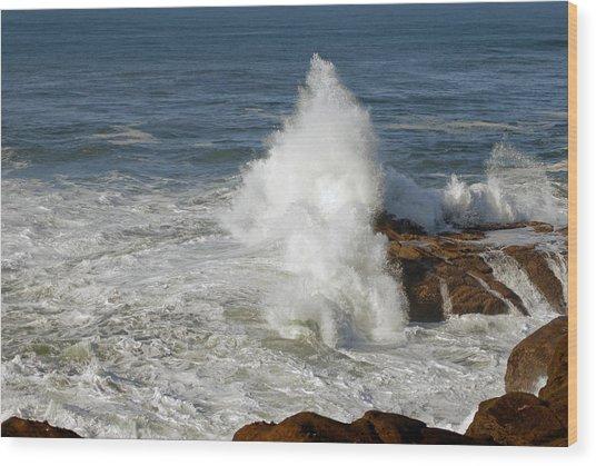 Crashing Waves Wood Print by Curtis Gibson