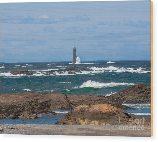 Crashing Waves On Minot Lighthouse  Wood Print