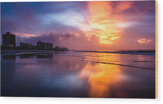 Crescent Beach Sunrise Wood Print